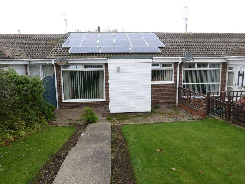 2 Bedrooms Bungalow for sale in Meadowfield, Ashington, Two Bedroom Terraced Bungalow