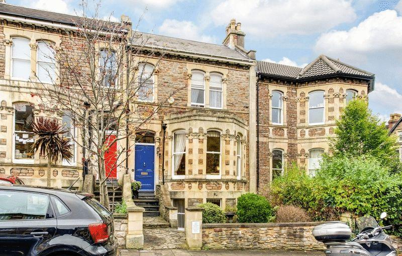 4 Bedrooms Terraced House for sale in Hughenden Road, Clifton