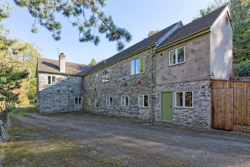 4 Bedrooms Detached House for sale in Selattyn Road, Glyn Ceiriog
