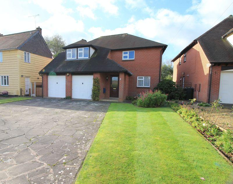 5 Bedrooms Detached House for sale in Inglis Road, Park Hall, Oswestry