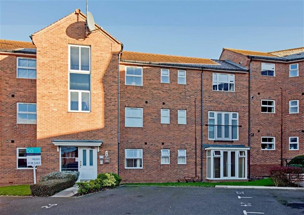 2 Bedrooms Apartment Flat for sale in 27, Smalman Close, Wordsley, Stourbridge, West Midlands, DY8