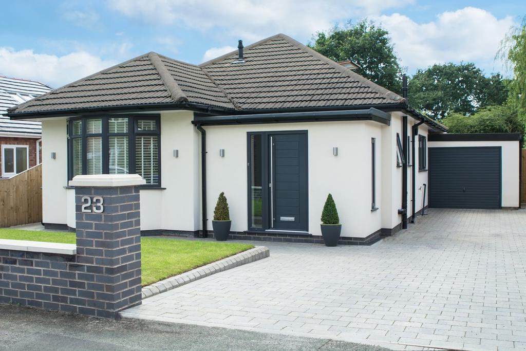 2 Bedrooms Detached Bungalow for sale in Stanneylands Drive, Wilmslow