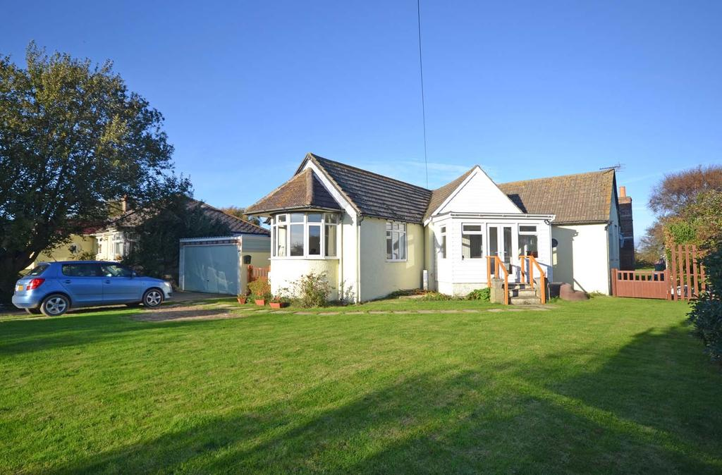 4 Bedrooms Detached Bungalow for sale in Park Lane, Selsey, PO20