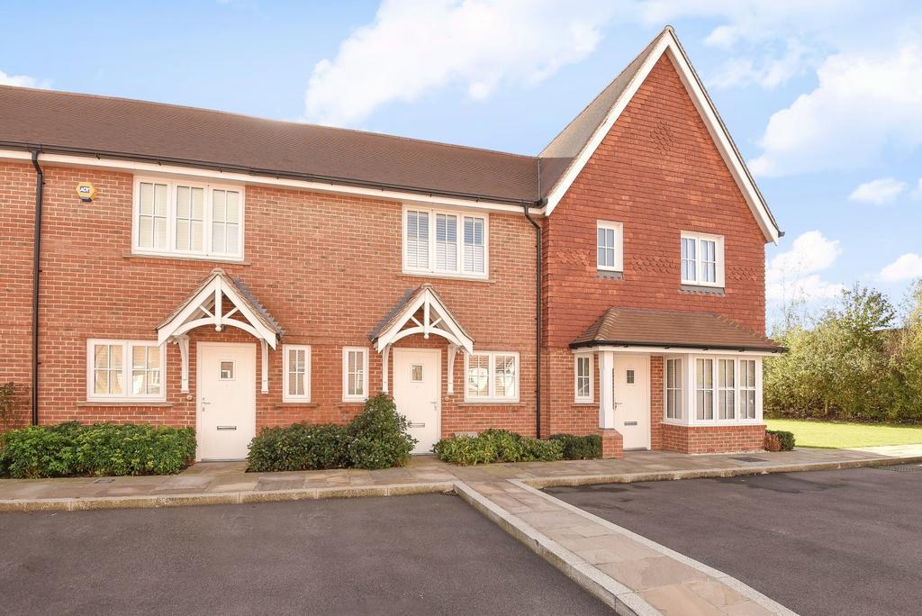 2 Bedrooms House for sale in Longhurst Avenue, Horsham, RH12