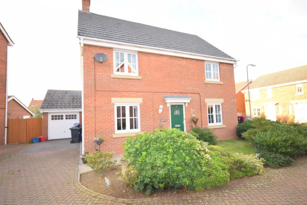 4 Bedrooms Detached House for sale in On The Grange - Foxglove Road, Desborough