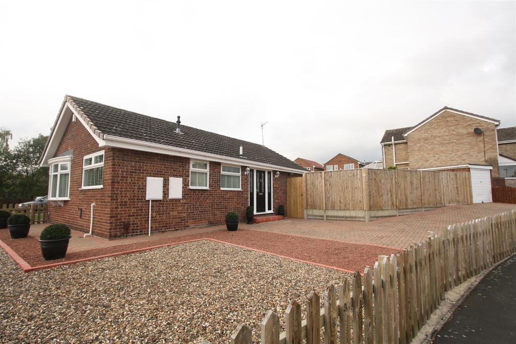 2 Bedrooms Detached Bungalow for sale in Riverside Way, Darlington