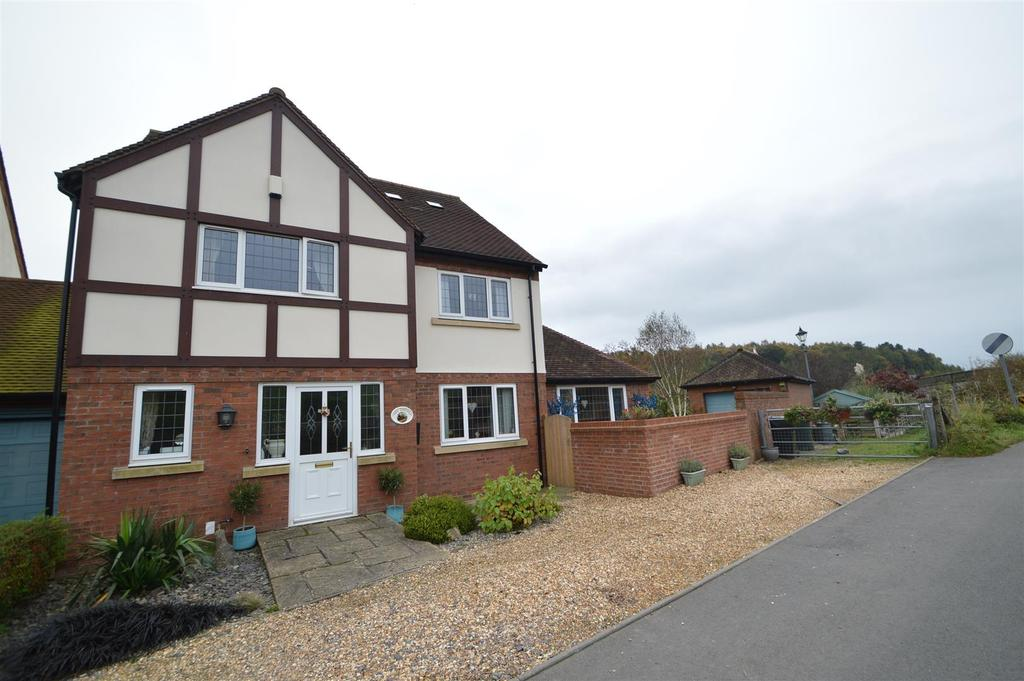 4 Bedrooms Detached House for sale in The Sidings, 8 Ludlow Road, Little Stretton, Church Stretton, SY6 6RF