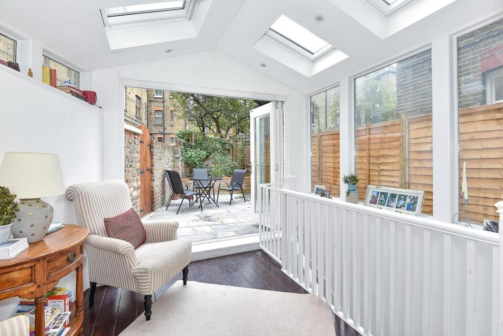 3 Bedrooms Flat for sale in South Island Place, Oval