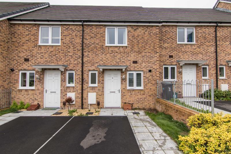 2 Bedrooms Terraced House for sale in Penkin Hill, Newport
