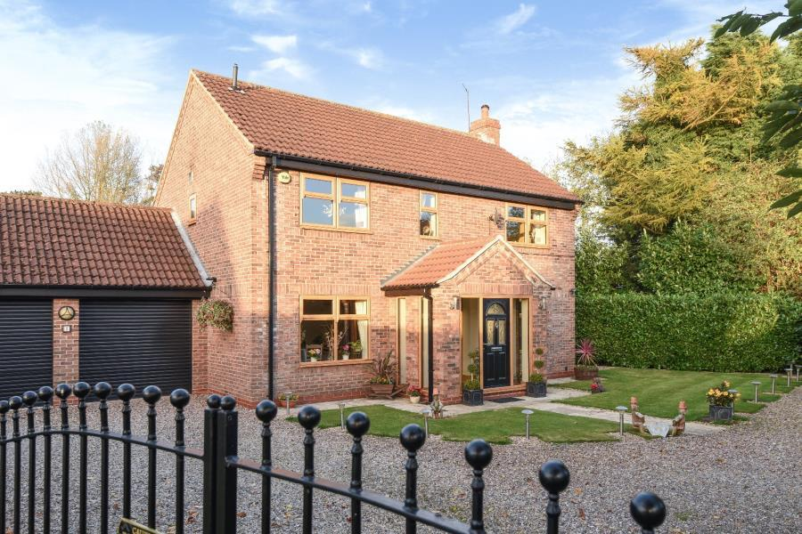 4 Bedrooms Detached House for sale in RECTORY CLOSE, HOLME-ON-SPALDING-MOOR, YORK, YO43 4DN