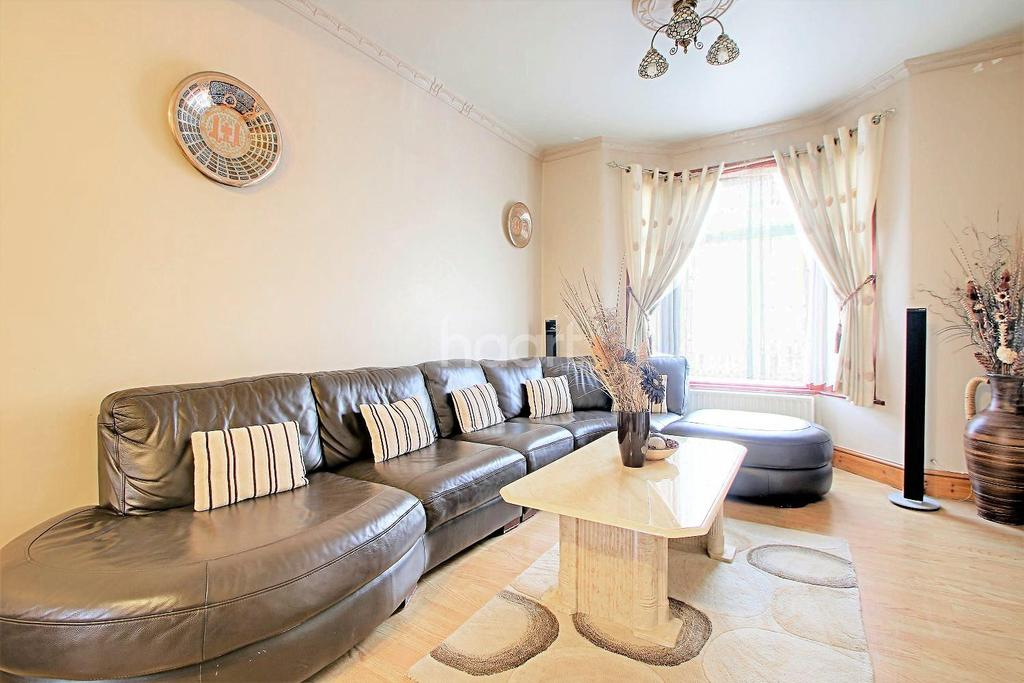 3 Bedrooms Terraced House for sale in Fairland Road, Stratford, London, E15