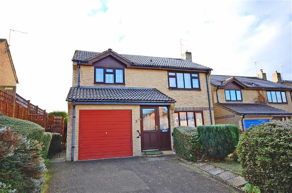 4 Bedrooms Detached House for sale in Briarbank Rise, Charlton Kings, Cheltenham, GL52