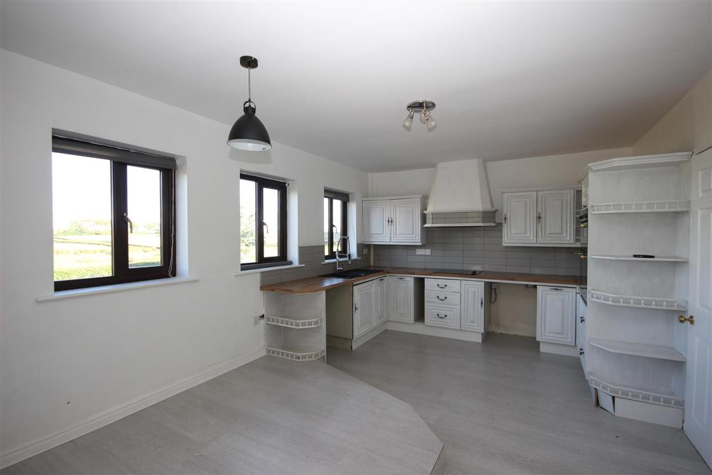 2 Bedrooms Detached Bungalow for sale in Sheraton, Hartlepool