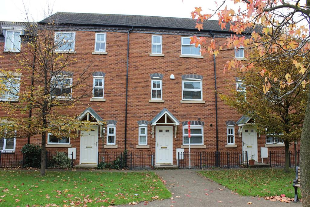 3 Bedrooms Town House for sale in Lagoon Road, Wilnecote, Tamworth