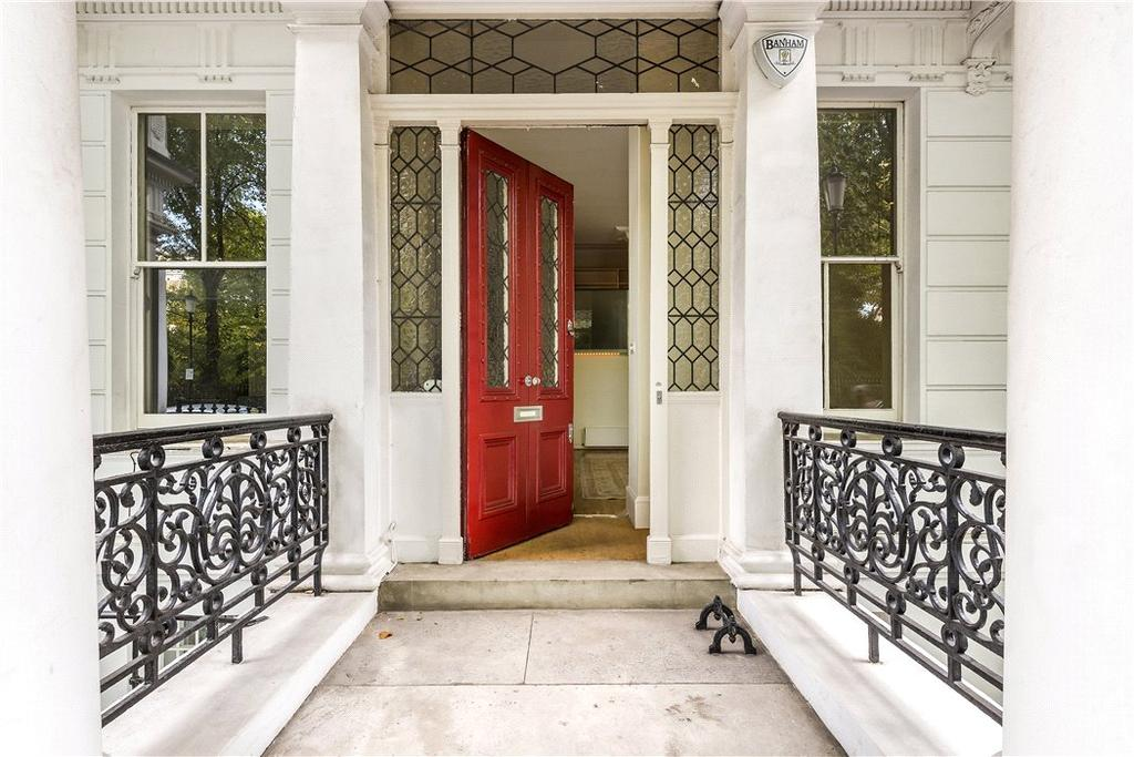 2 Bedrooms Flat for sale in Courtfield House, 10-11 Courtfield Gardens, London, SW5