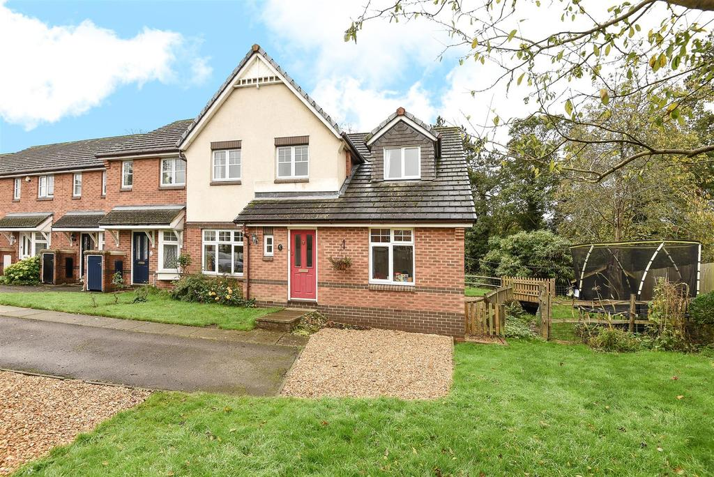 4 Bedrooms End Of Terrace House for sale in Penfolds Place, Arundel