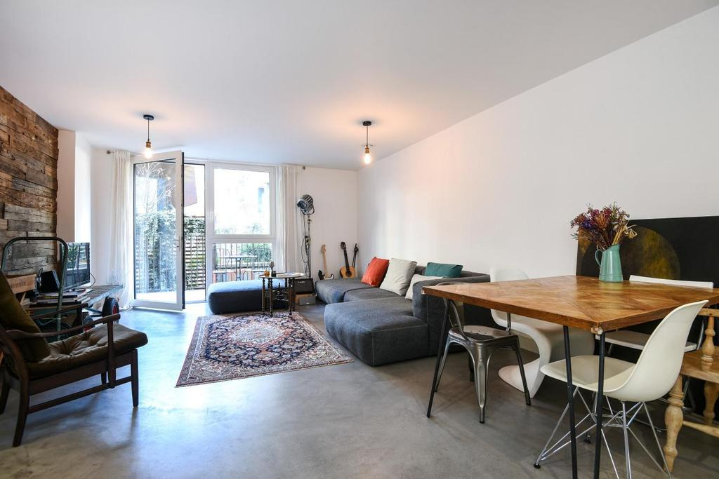 2 Bedrooms Flat for sale in Pell Street, Deptford
