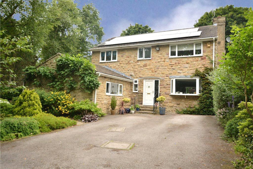 4 Bedrooms Detached House for sale in Crescent View, Leeds