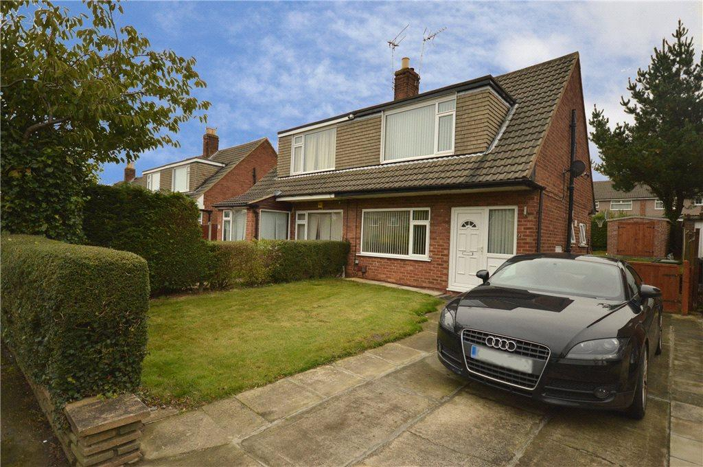 3 Bedrooms Semi Detached House for sale in Linton Crescent, Leeds, West Yorkshire