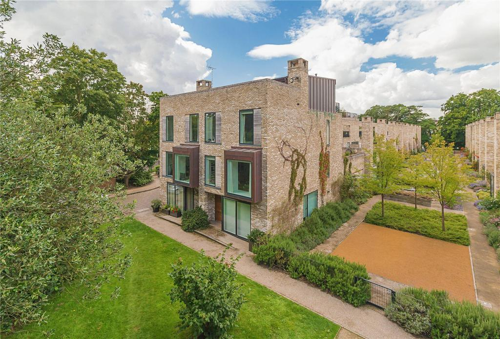 5 Bedrooms Detached House for sale in Copse Way, Cambridge, CB2