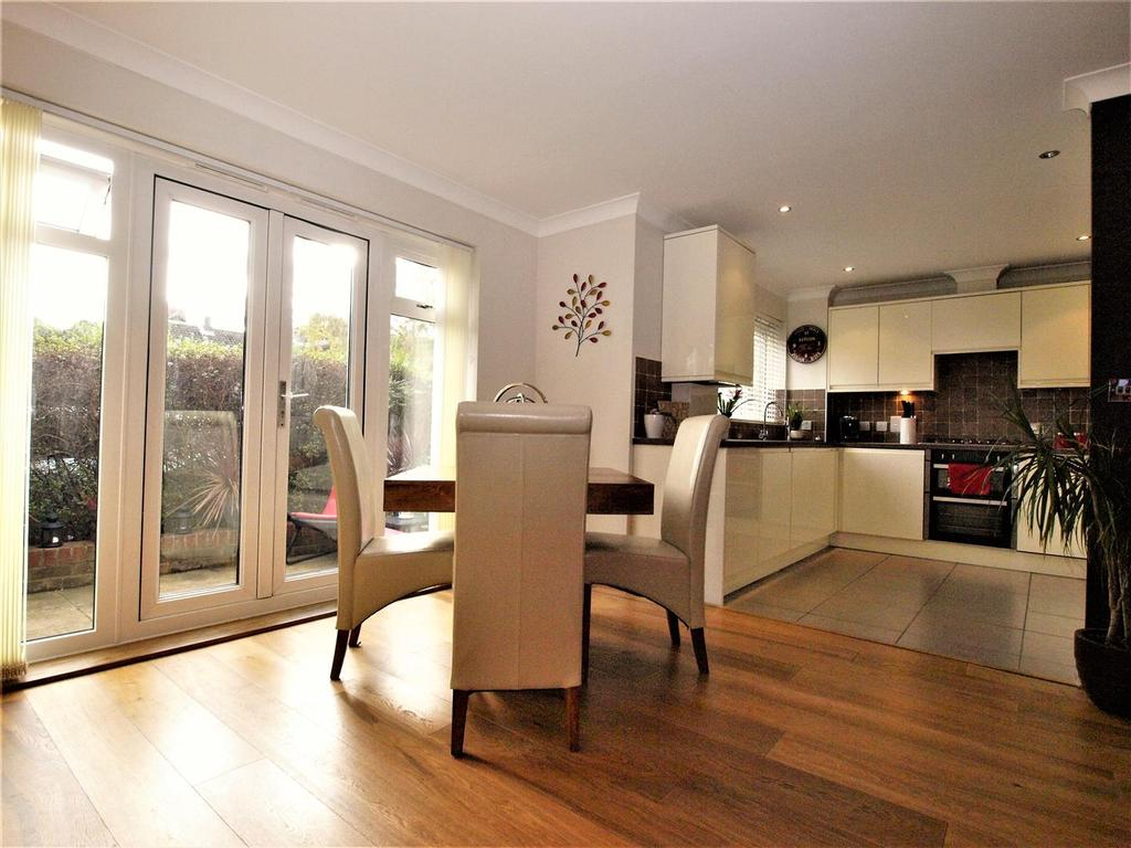 2 Bedrooms Apartment Flat for sale in Albemarle Road, Beckenham