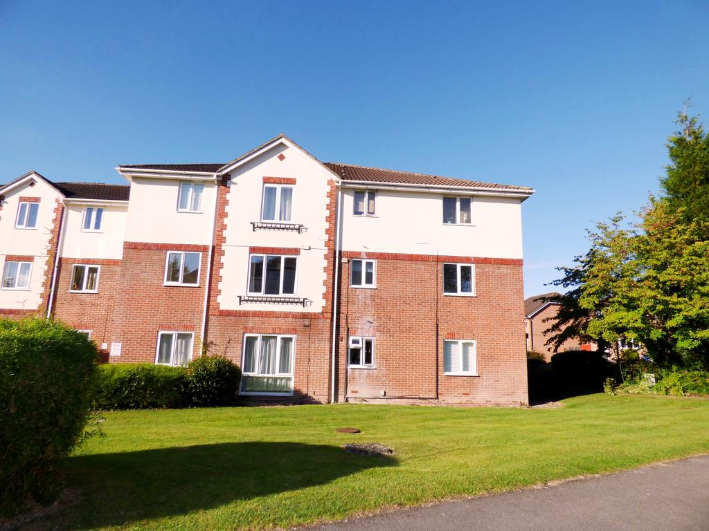 2 Bedrooms Apartment Flat for sale in garden close, andover SP10