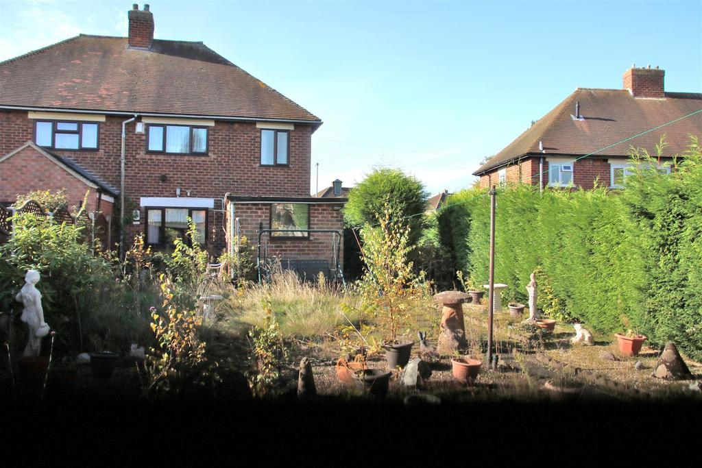 3 Bedrooms Semi Detached House for sale in Morgan Road, Tamworth