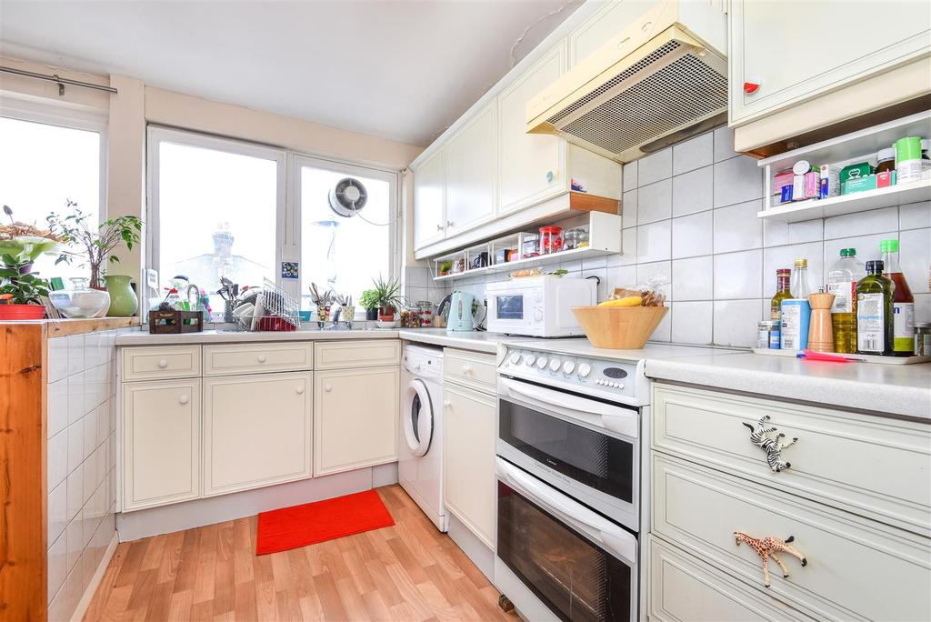 2 Bedrooms Flat for sale in Lower Richmond Road, Putney
