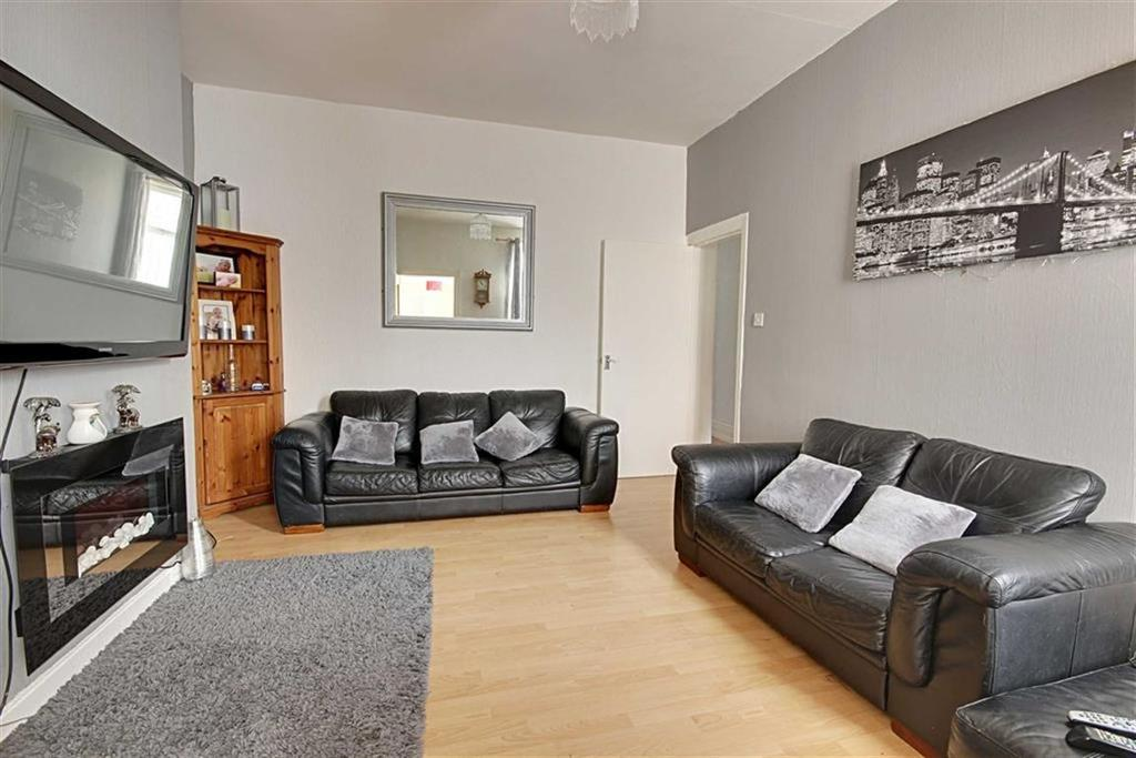 2 Bedrooms Flat for sale in Brabourne Street, South Shields, Tyne And Wear