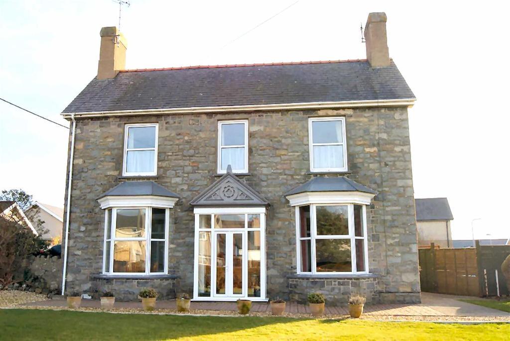 5 Bedrooms Detached House for sale in Lon Terfyn, Morfa Nefyn