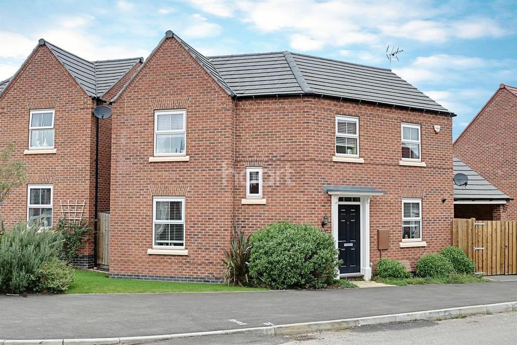 3 Bedrooms Detached House for sale in Kenbrook Road, Hucknall