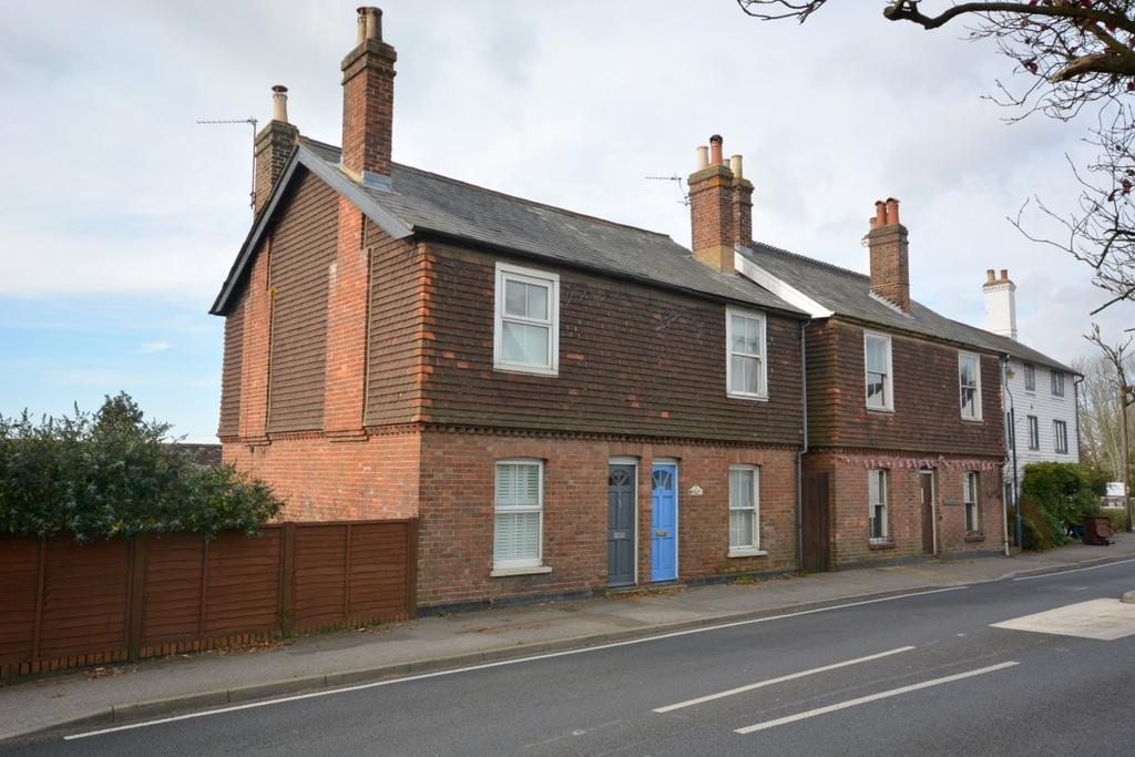 2 Bedrooms Semi Detached House for rent in Frant Green Road, Frant