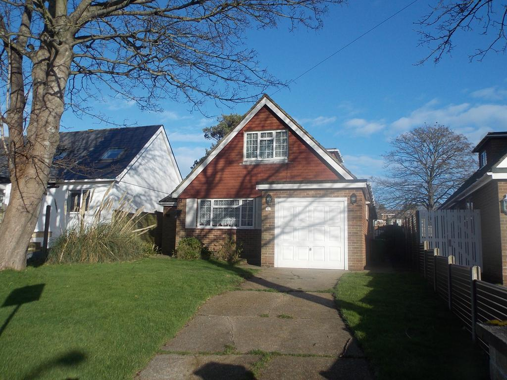 4 Bedrooms Detached House for sale in Glynn Road, Peacehaven