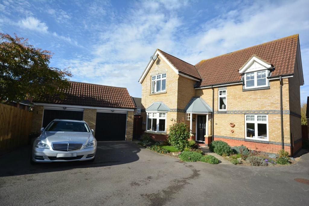 4 Bedrooms Detached House for sale in Gulls Croft, Braintree, Essex, CM7