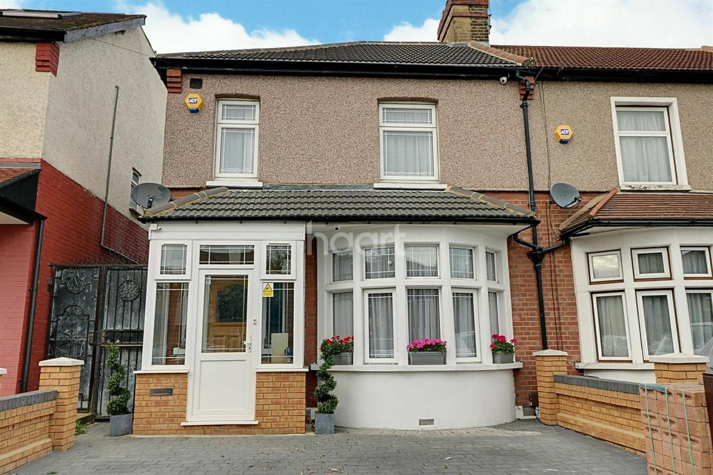 3 Bedrooms End Of Terrace House for sale in Vicarage Lane, Ilford, Essex