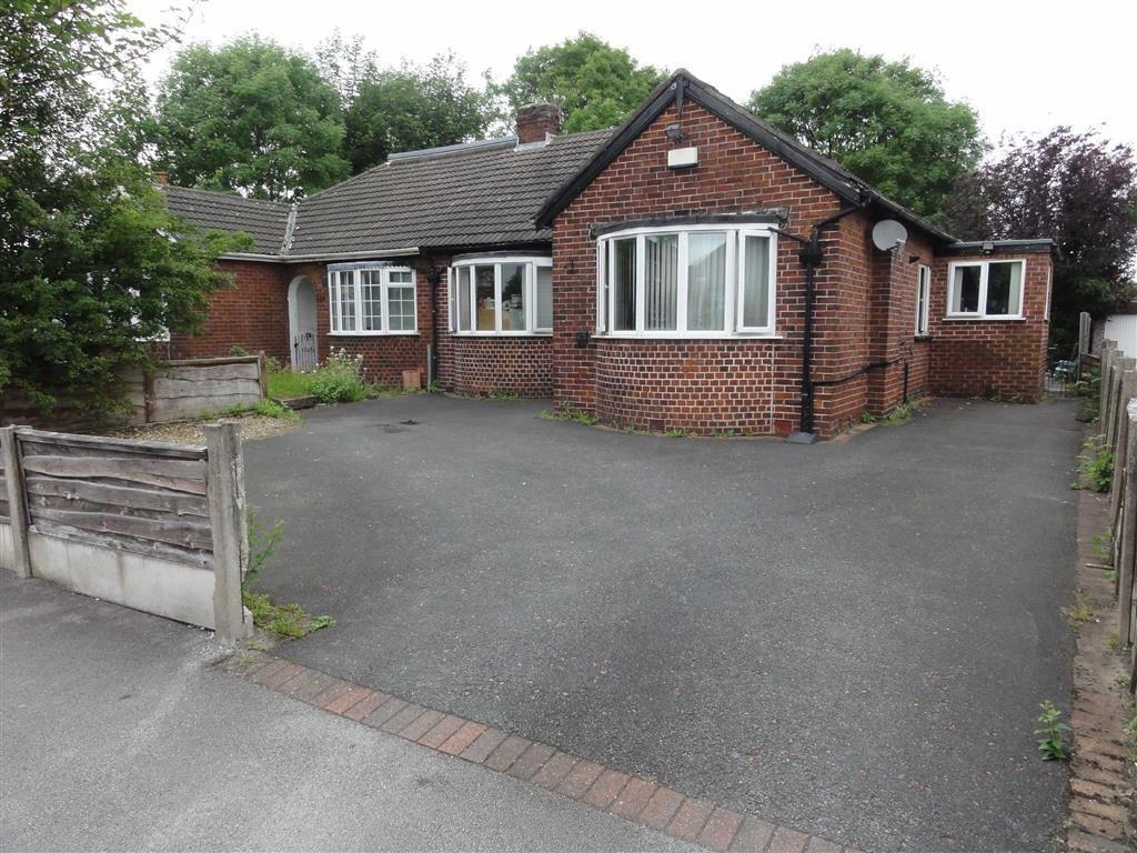 3 Bedrooms Semi Detached Bungalow for sale in Brown Lane, Heald Green