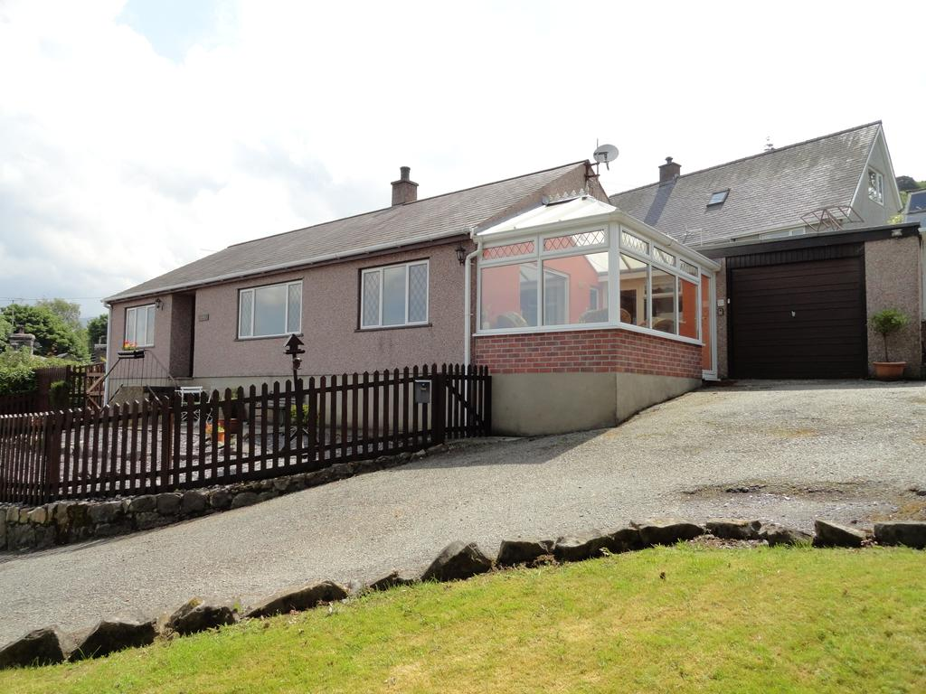 3 Bedrooms Detached Bungalow for sale in TAN YR ONNEN, TREGARTH LL57