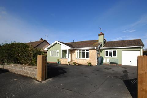 3 bedroom detached bungalow for sale - Allenstyle Drive, Yelland