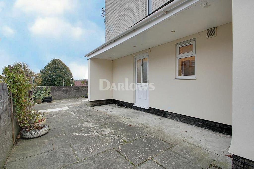 2 Bedrooms Flat for sale in Oakway, Fairwater