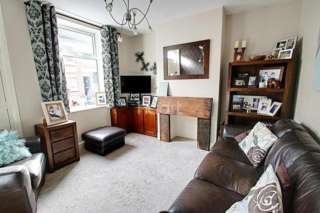 3 Bedrooms Terraced House for sale in Carlingford Road, Hucknall