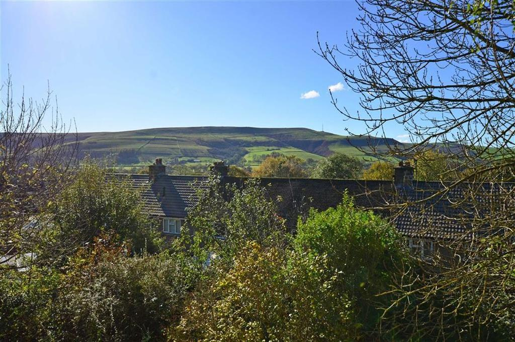 2 Bedrooms Flat for sale in First Floor Apartment, 23, Brentwood Avenue, Bamford, Hope Valley, Derbyshire, S33