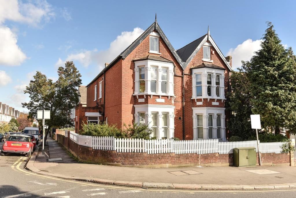 1 Bedroom Flat for sale in Leopold Road, Wimbledon