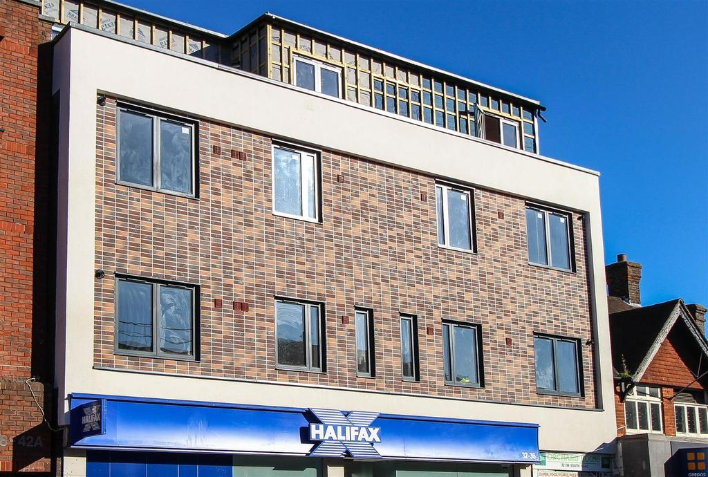 1 Bedroom Flat for sale in The Bank House, South Road, Haywards Heath