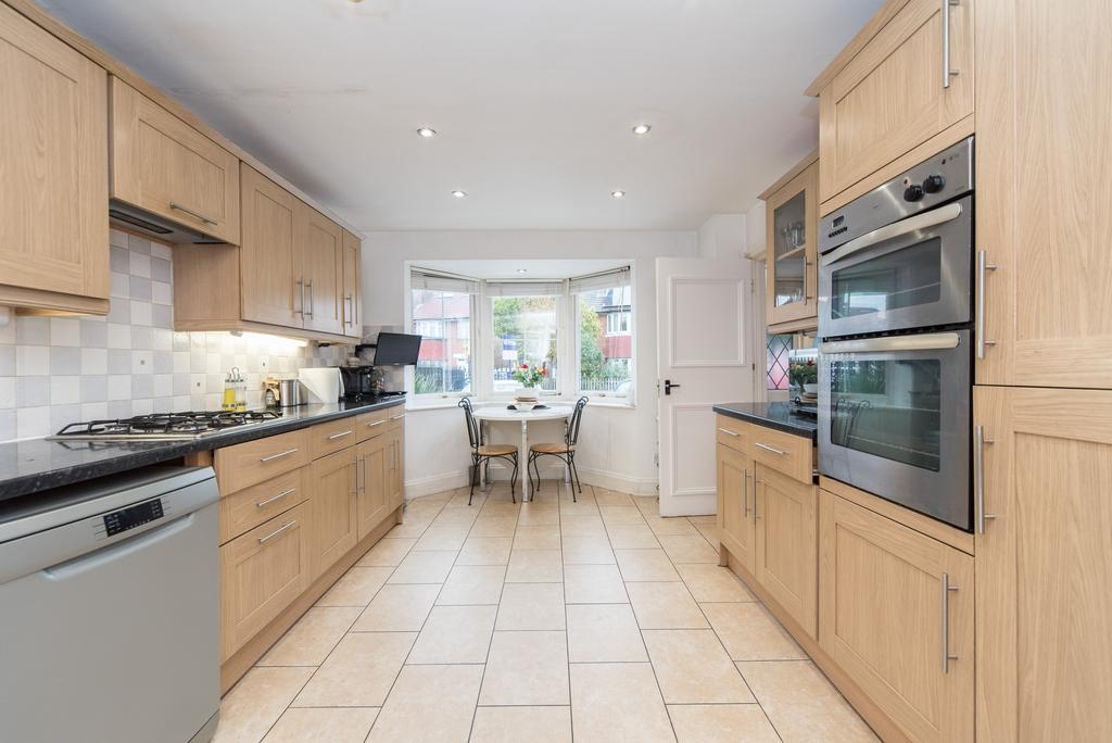 4 Bedrooms House for sale in St. Dunstans Avenue, Acton