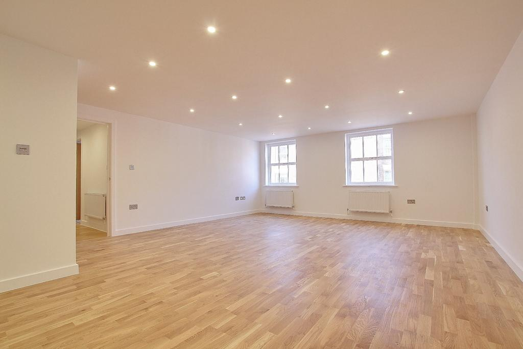 2 Bedrooms Apartment Flat for sale in CENTRAL ROMSEY