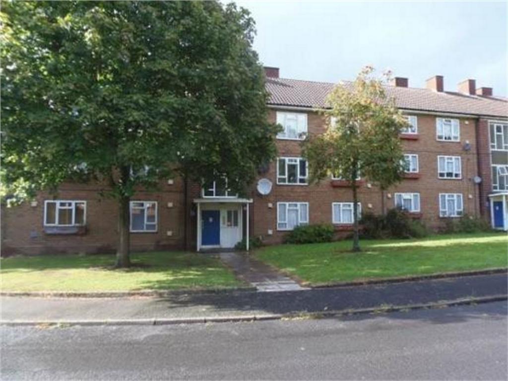 2 Bedrooms Flat for sale in Bournebrook Crescent, Halesowen, West Midlands