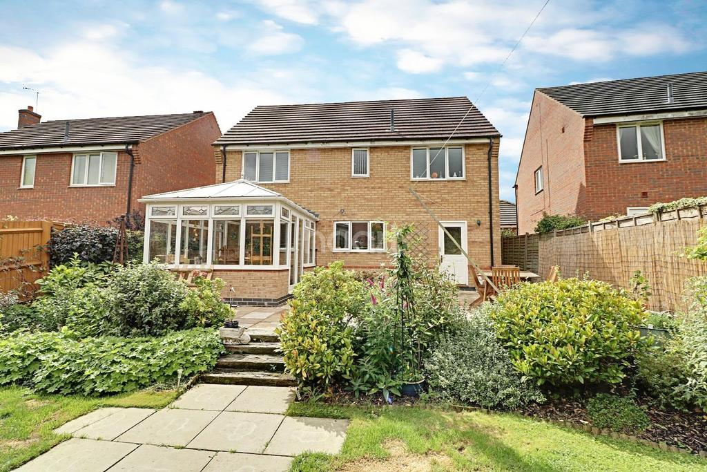 4 Bedrooms Detached House for sale in Richmond Drive, Grantham