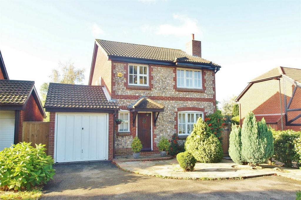 4 Bedrooms Detached House for sale in Oakwood Avenue, Beckenham, Kent