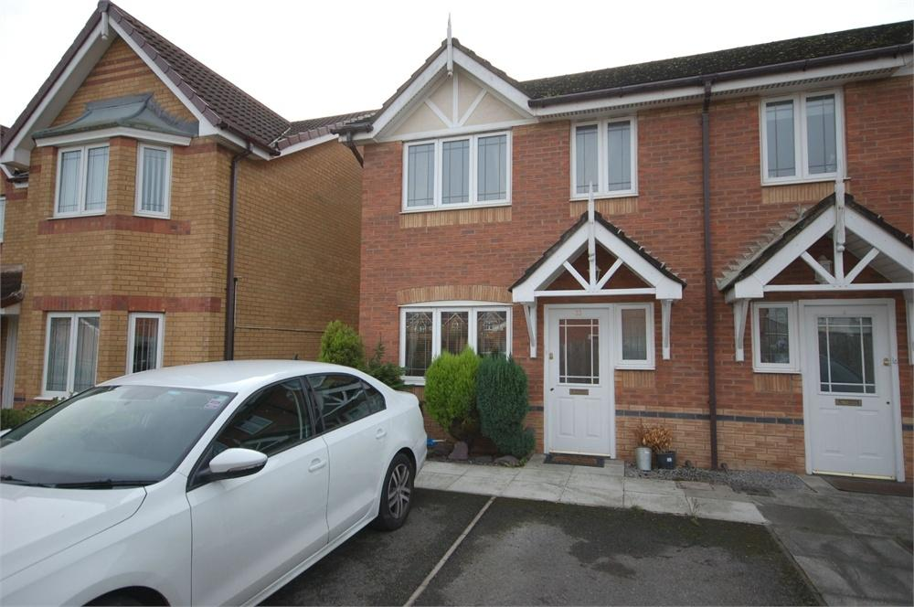 3 Bedrooms Semi Detached House for sale in Kensington Close, Widnes, Cheshire
