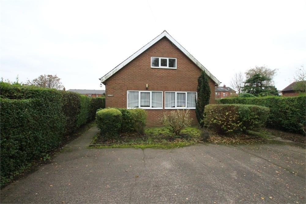3 Bedrooms Detached Bungalow for sale in Whitehall Road, Drighlington, West Yorkshire